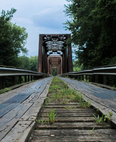 The Wabash Cannonball Bridge is located in a rural area outside of Vincennes.